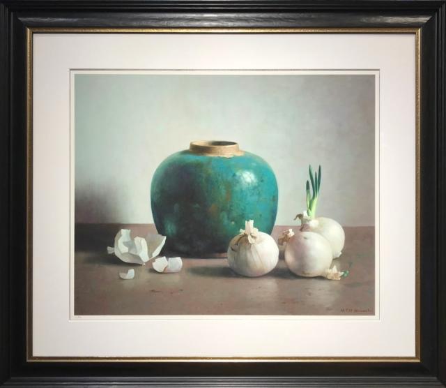 Gemberpot en witte uien tegen lichte achtergrond – Henk Helmantel – Art center Hoorn