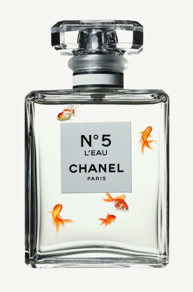 Chanel No. 5 Goldfish II - Hans Pieterse - Art Center Hoorn