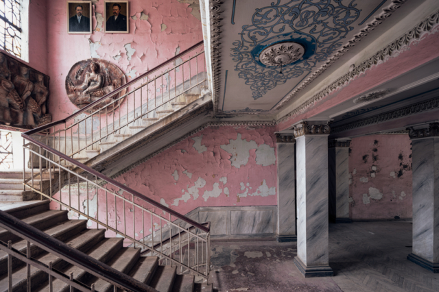 Left to Right - James Kerwin - Art Center Hoorn